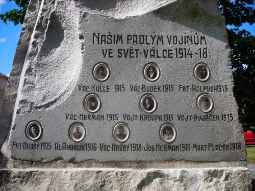 Střížovice - pomník, poobnově